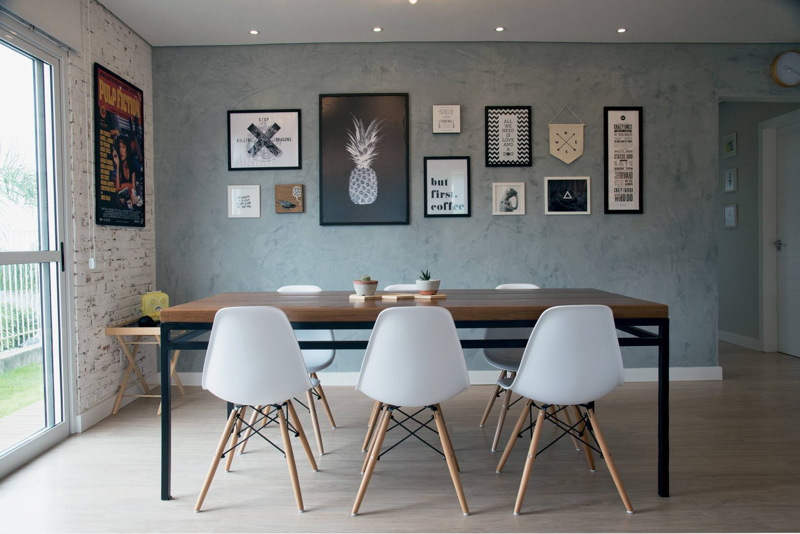 Sala de jantar industrial diy home for Mesas de estilo industrial